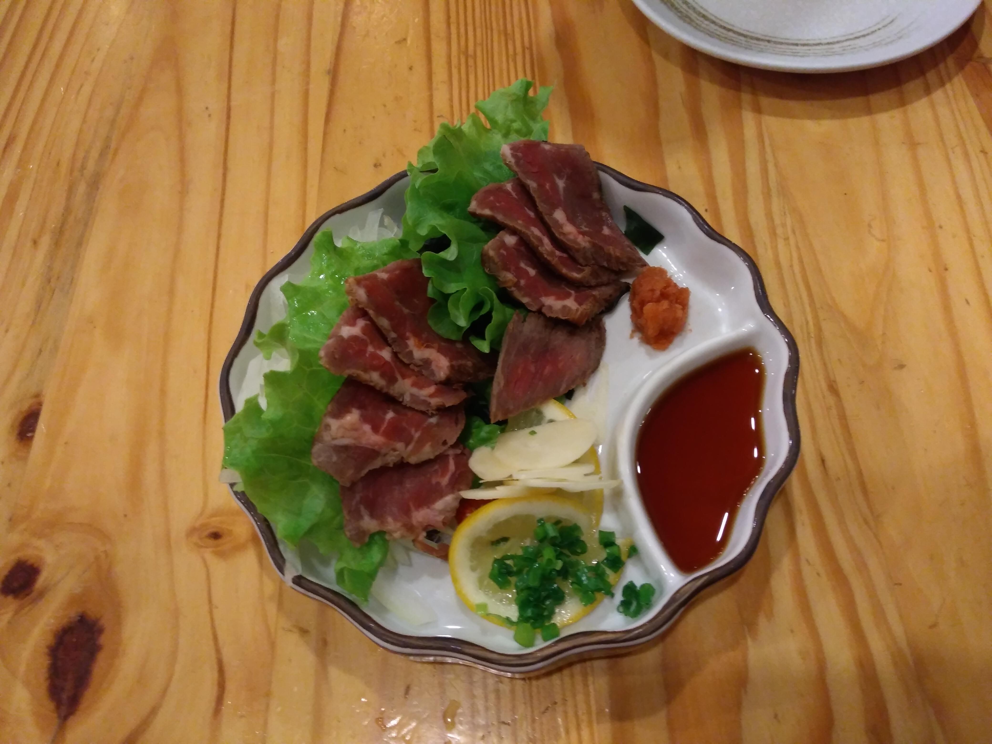 牛肉のユッケ