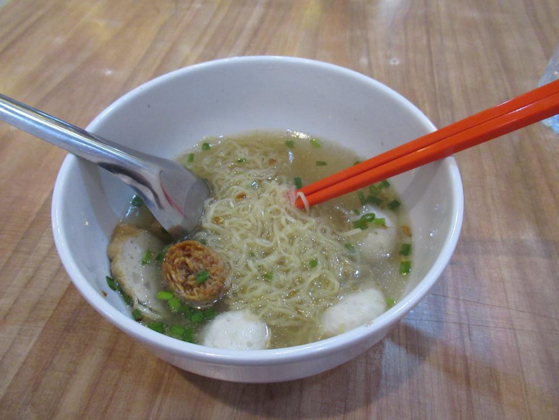 ヤワラートの麺料理